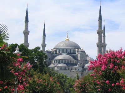 Istanbul-The-Blue-Mosque-from-Hagia-Sofia-2