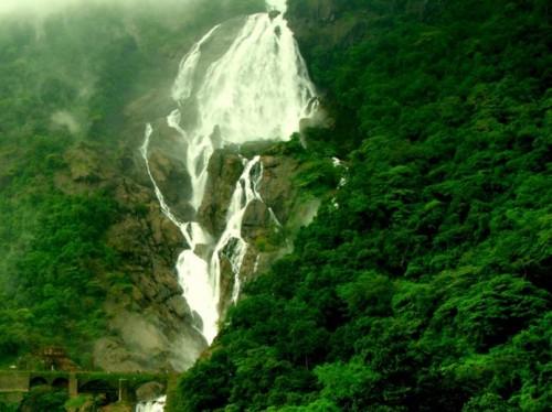 آبشار Dudhsagar