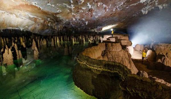 غار های دیدنی