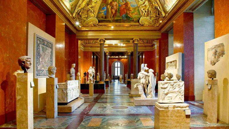 موزهگردی در لوور، فرانسه