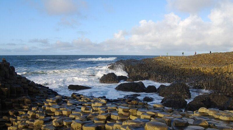 گذرگاه ساحلی جاینت (Giant's Causeway)