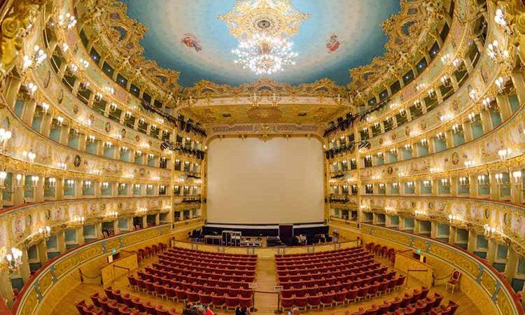 تئاتر بزرگ لا فنچه