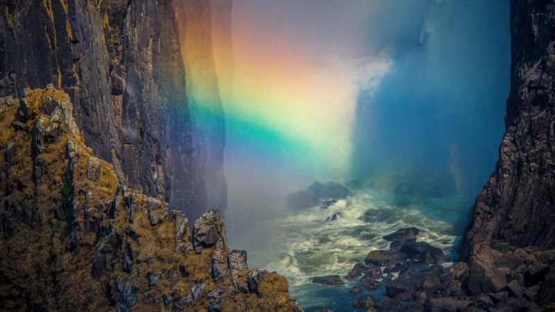 رنگین کمان در آبشار ویکتوریا