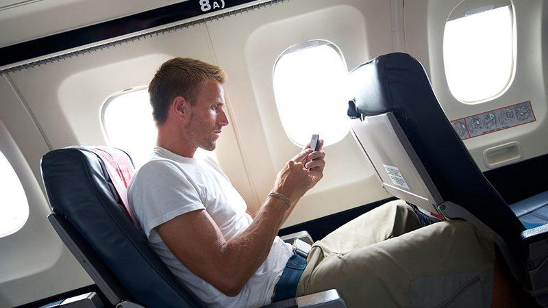 تلفن همراه در هواپیما