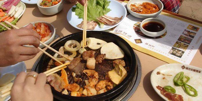 صرف غذا به روش چینیها