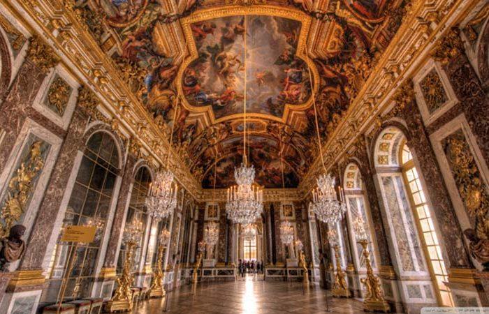 نمایی از داخل کاخ ورسای