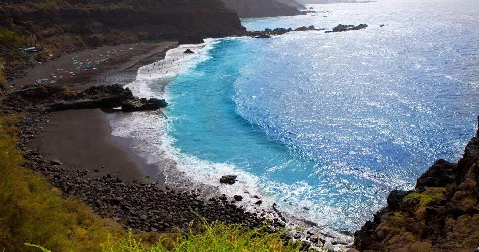 black beach1