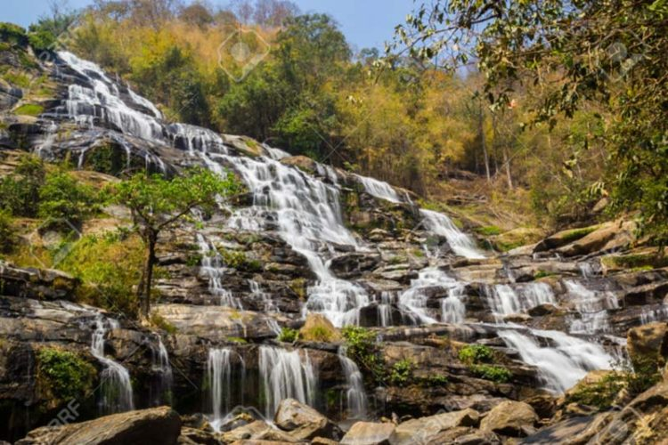 آبشار مائه یا