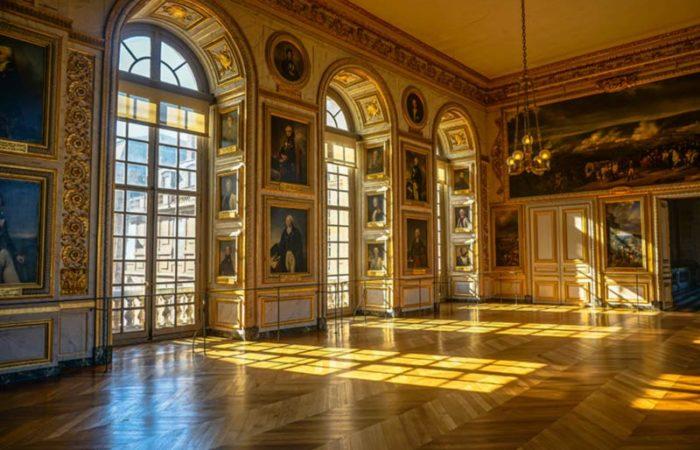 داخل کاخ ورسای