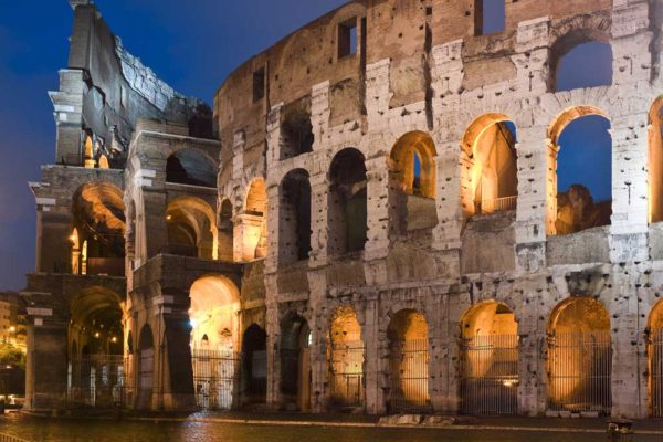 Colosseum-at-night