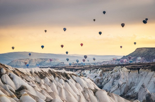 float-on-a-hot-air-balloon-in-cappadocia-turkey