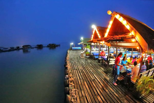 kruwit-floating-restaurant