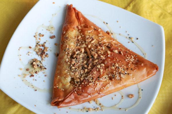 kythnos_food_ToStekiTouNtetzh