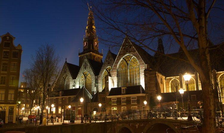 کلیسای قدیم (Oude Kerk)