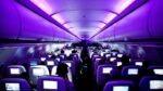چرا چراغ های داخل هواپیما هنگام فرود و صعود خاموش می شوند؟