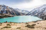 پیاده روی و تماشای چشم اندازهای زیبا در دریاچه آلماتی (بخش اول)