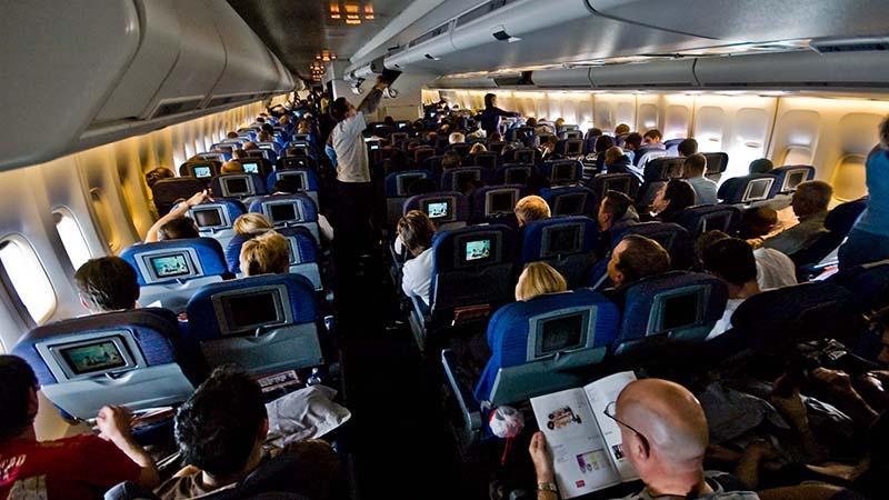 چراغ های داخل هواپیما