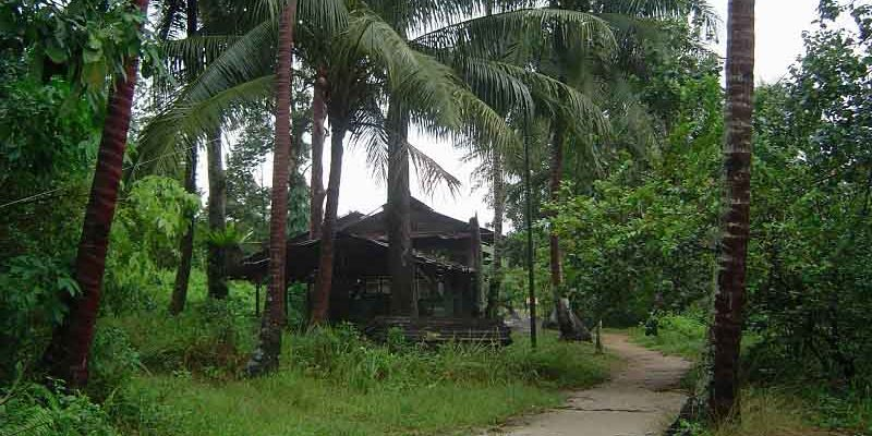 house_near_the_northern_coast_of_pulau_ubin_singapore
