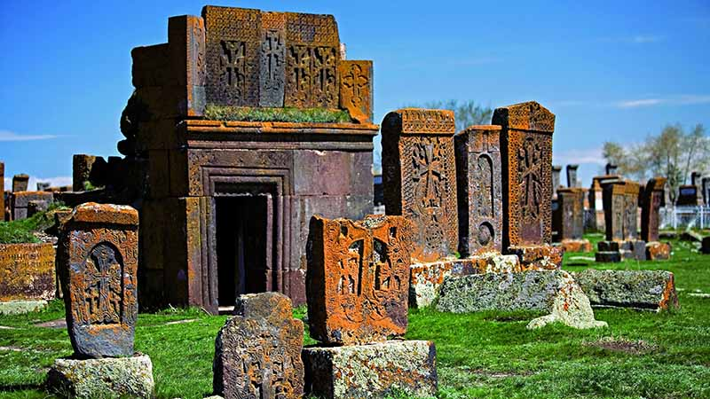 قبرستان نوراتوس