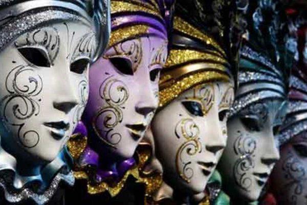 Venice-Carnival-Cherishing