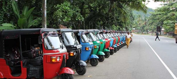 Transport Tuk Tuks