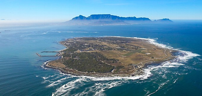 robben-island-helicopter-trips1