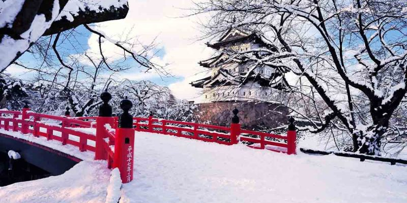 japan-aomori-prefecture-hirosaki-winter-snow-bridge-castel-ice-trees