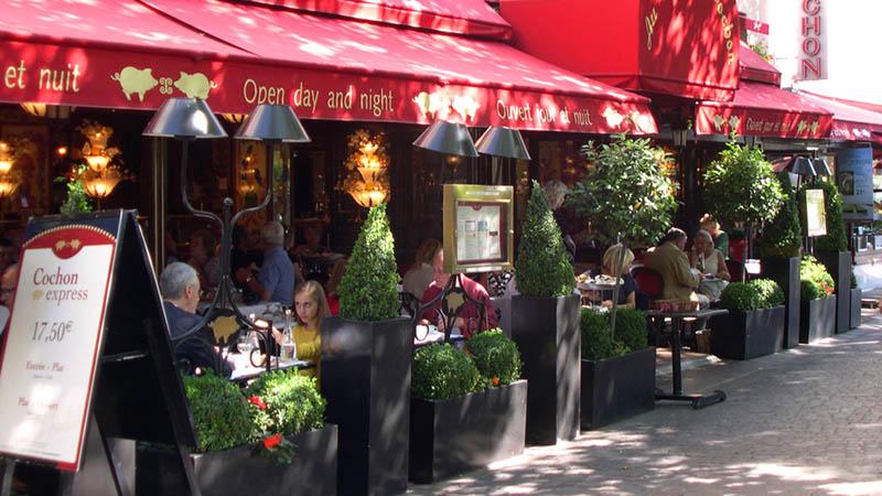 کافه ای در پاریس