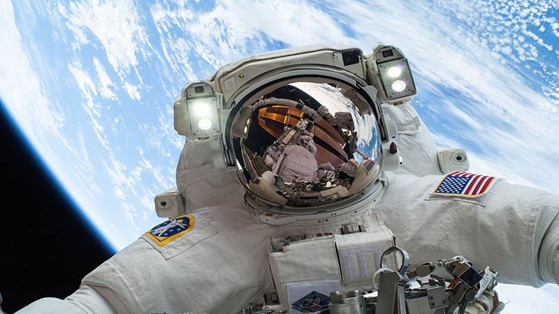لباس جدید فضانوردی | بویینگ