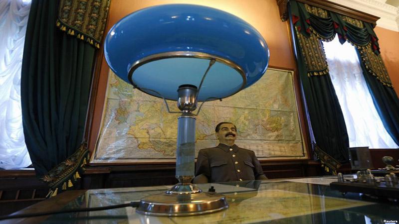 مجسمه مومی استالین