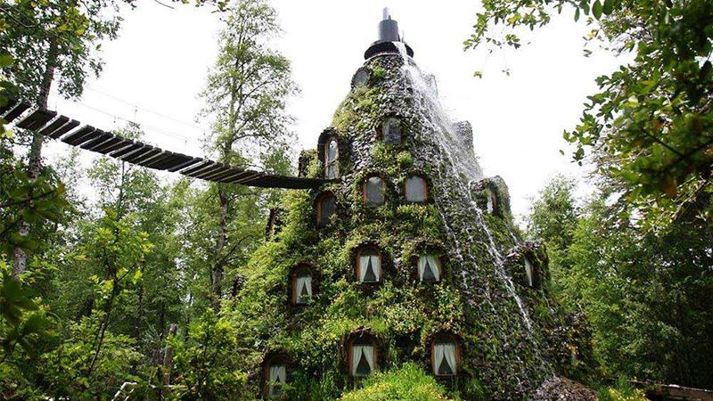هتل کوه جادویی