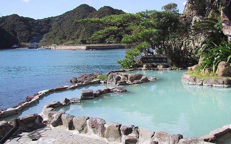 چشمه های آب گرم ژاپن