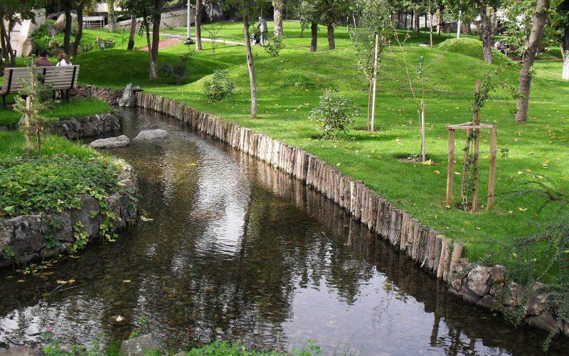 پارک زیبای لاورز ایروان