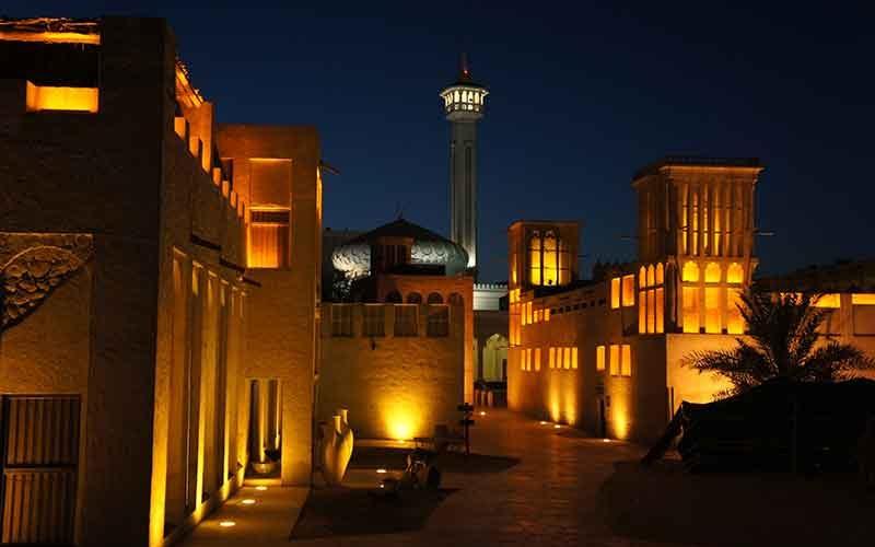 محله تاریخی دبی در شب