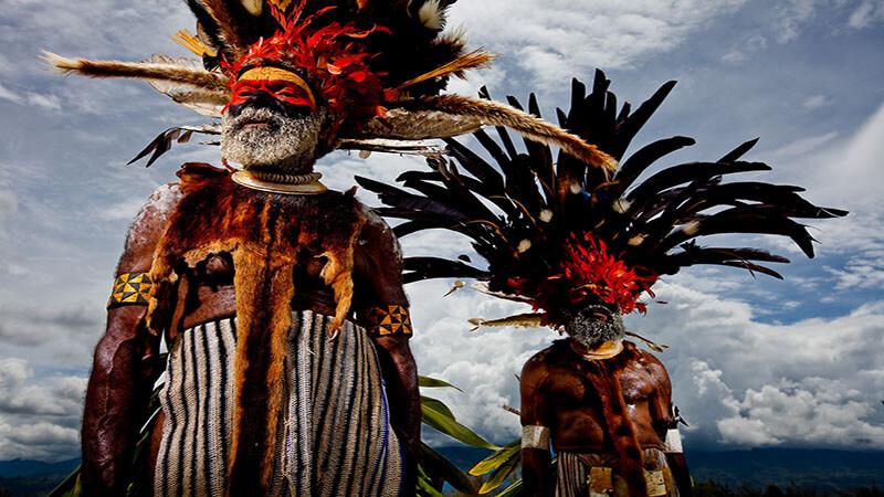 بومی های گینه نو
