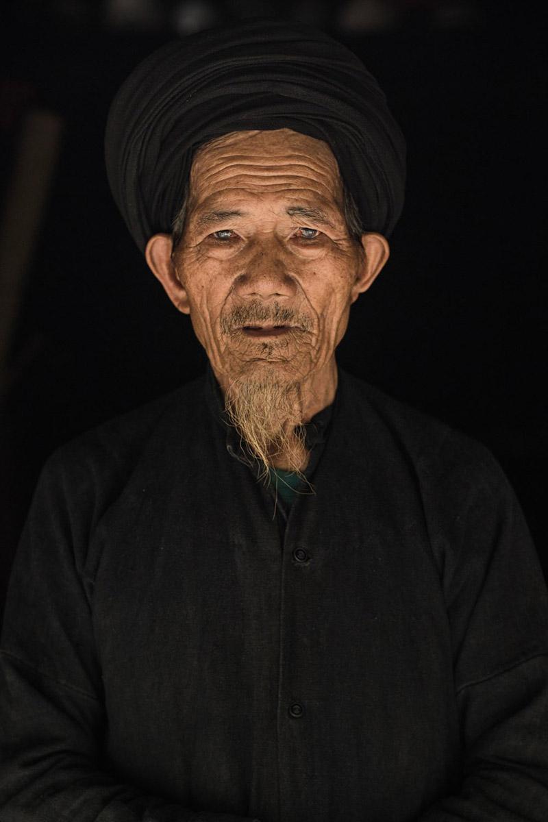 مردی از قبایل