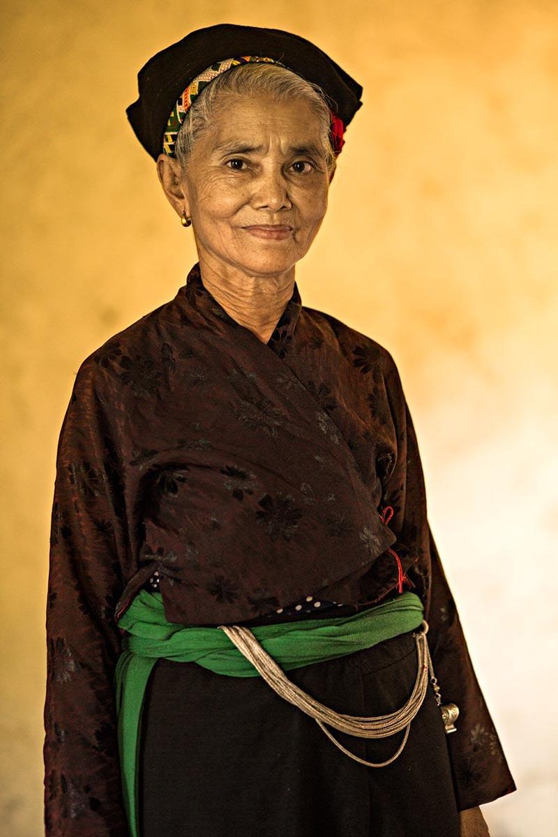خانمی از قبیله Ơ Ðu