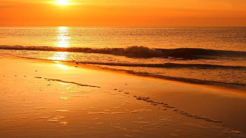 غروب خورشید در ساحل طلایی وارنا