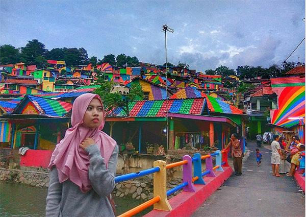 روستای رنگین کمان اندونزی