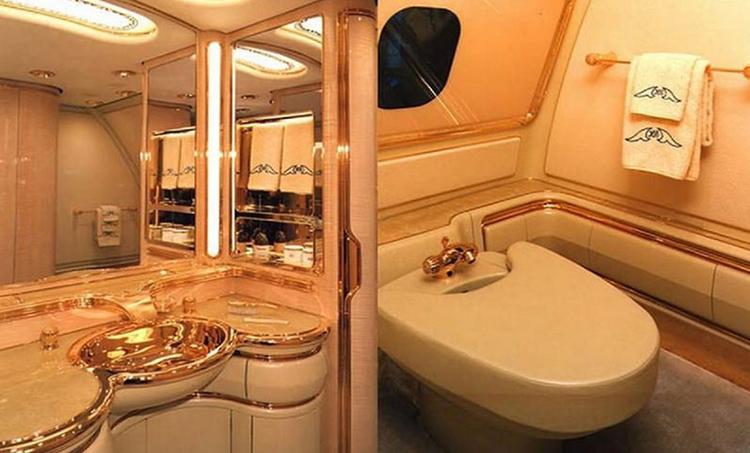 داخل بویینگ سفارشی 747-430