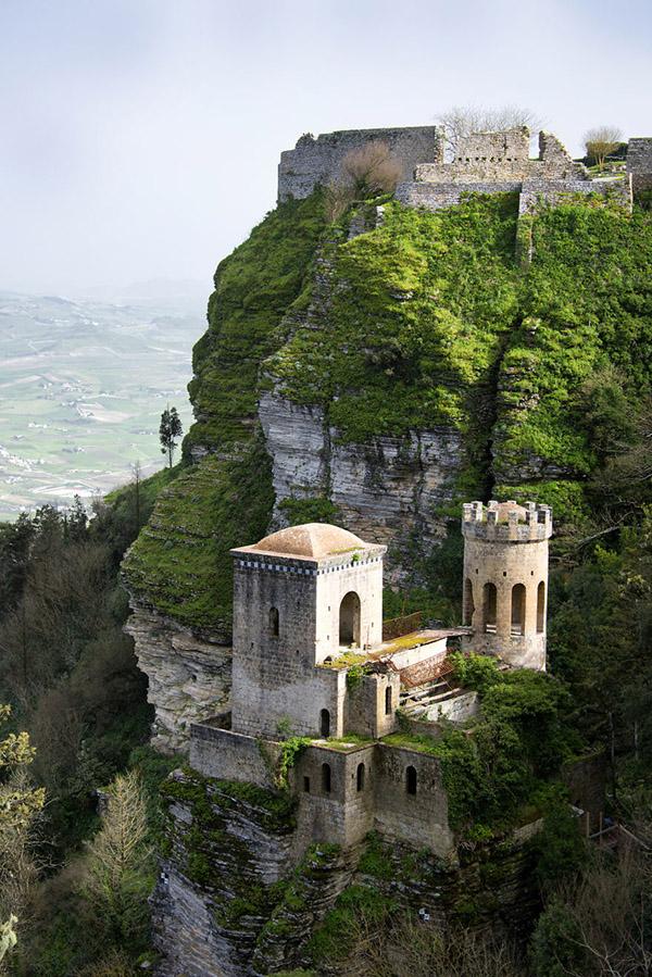 عکس قلعه های قدیمی ایتالیا