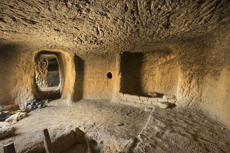 داخل غارهای موستانگ