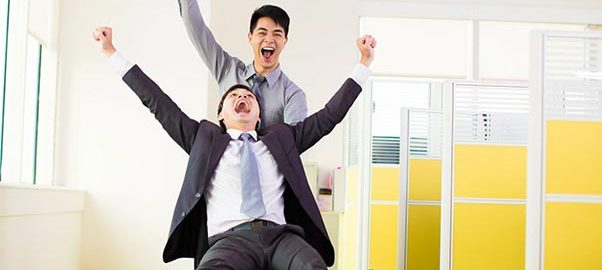شادی در محل کار