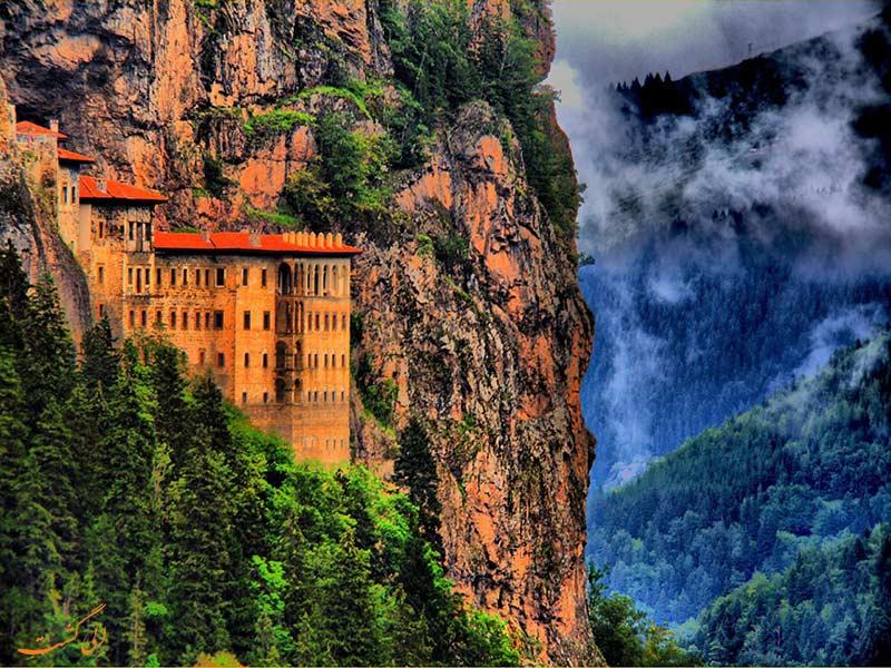 صومعه سوملا در ترابزون ترکیه