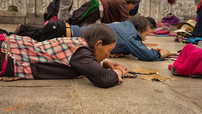 روش عبادت مردم در تبت