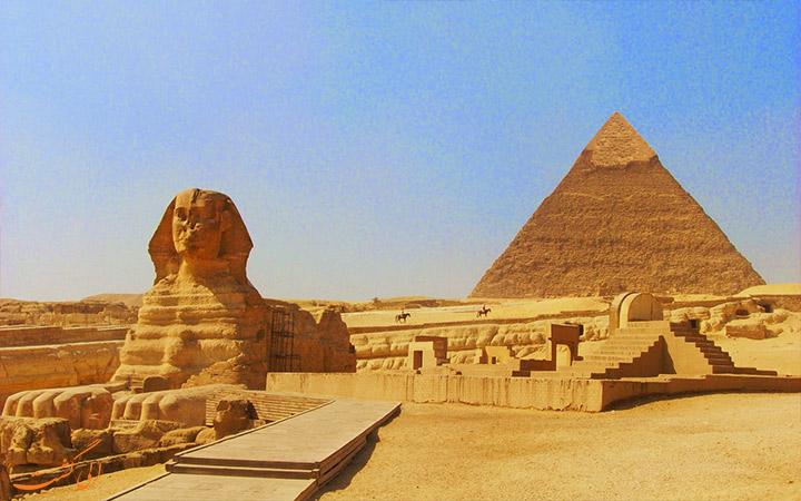 قبرستان های جیزا و دره پادشاهان