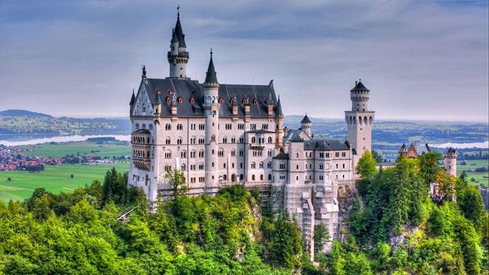 قلعه ی Neuschwanstein در آلمان