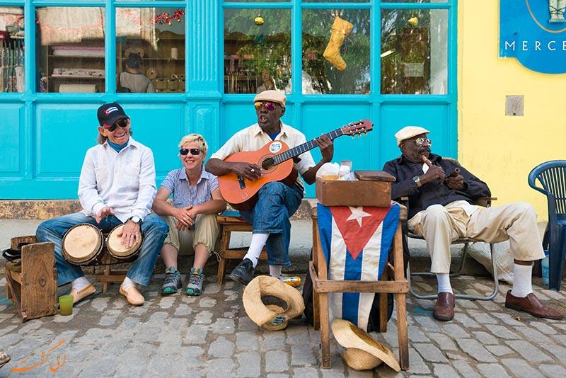 نوازنده های خیابانی در هاوانا