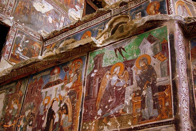 نقاشی های دیواری کلیسا