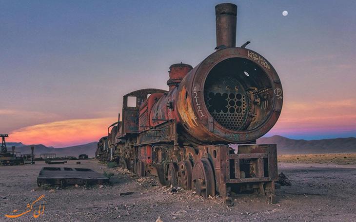گورستان قطارها